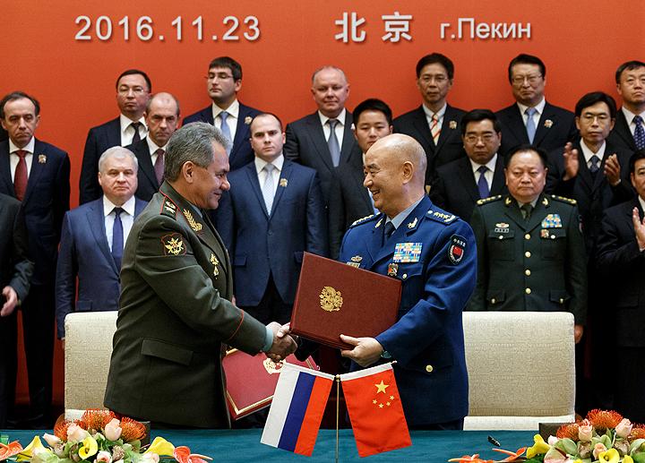 Министр обороны России генерал армии Сергей Шойгу встретился с китайским коллегой.