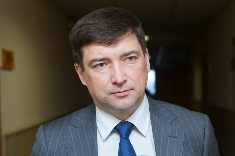 Гендиректор Фонда капремонта Вадим Борисов оштрафован заволокиту