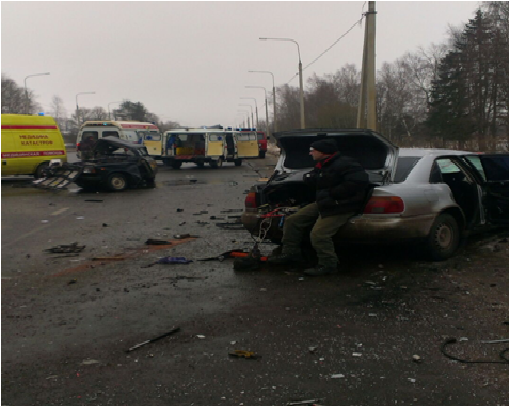 Жертвами трагедии натрассе под Ярославлем стали два человека, еще четверо пострадали