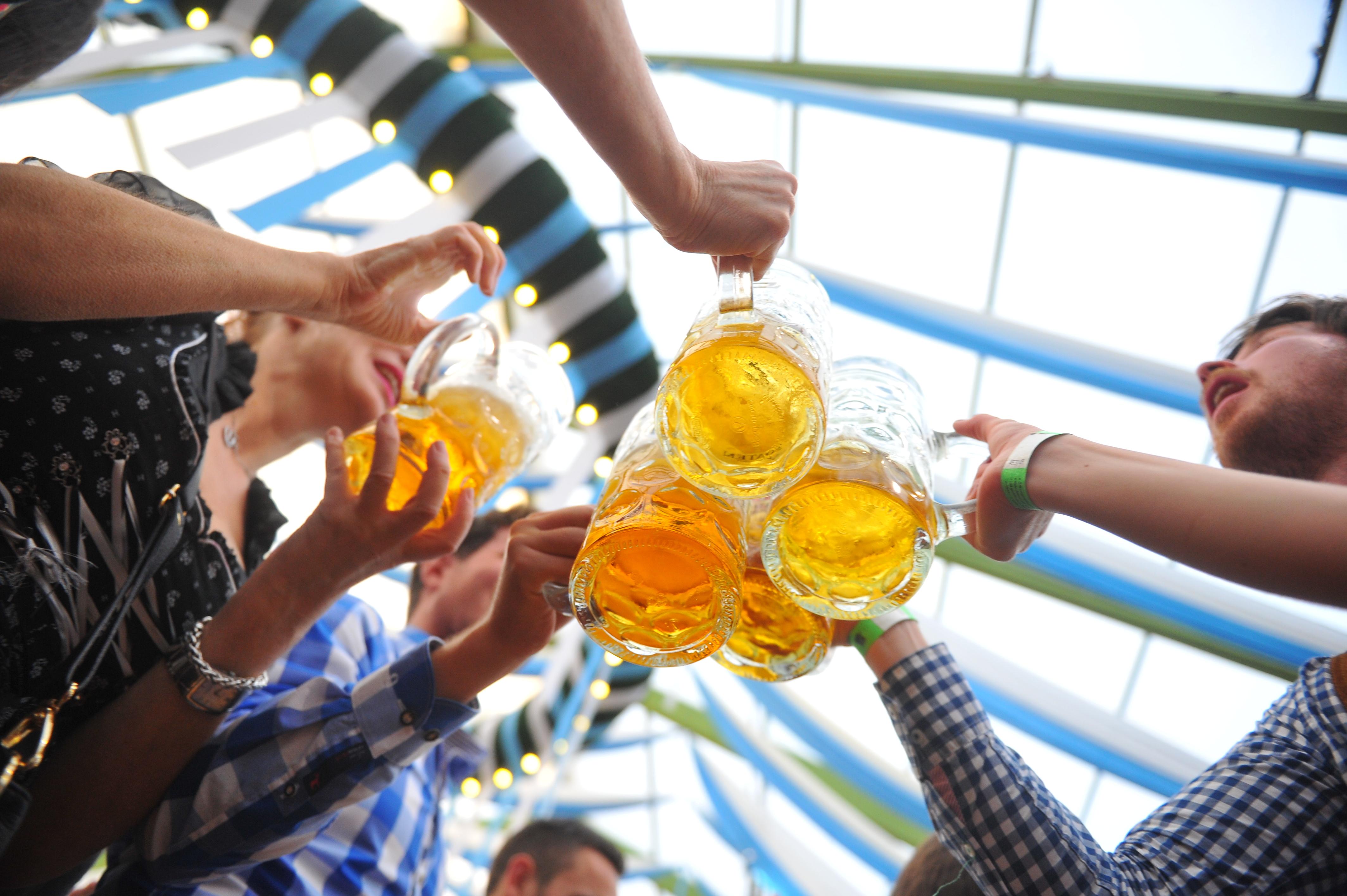 Молодежь в Самаре предпочитает пиво, а люди постарше водку и разбавленный спирт