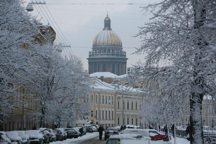 Красота какая зимой в Северной столице, чего ж туда не съездить?!