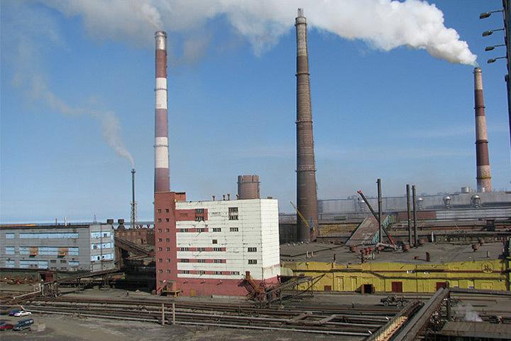 Норвегию беспокоят выбросы диоксида серы с предприятия Кольской горно-металлургической компании. Фото: с сайта kafedra-cm.ru