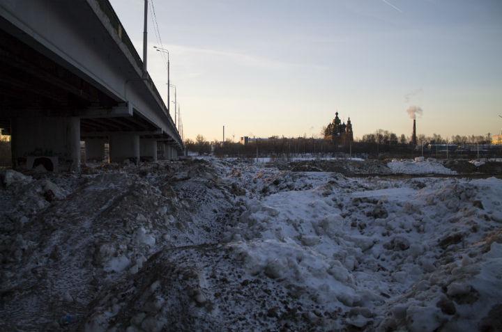 Весной грязь с берегов Которосли может попасть в реку.