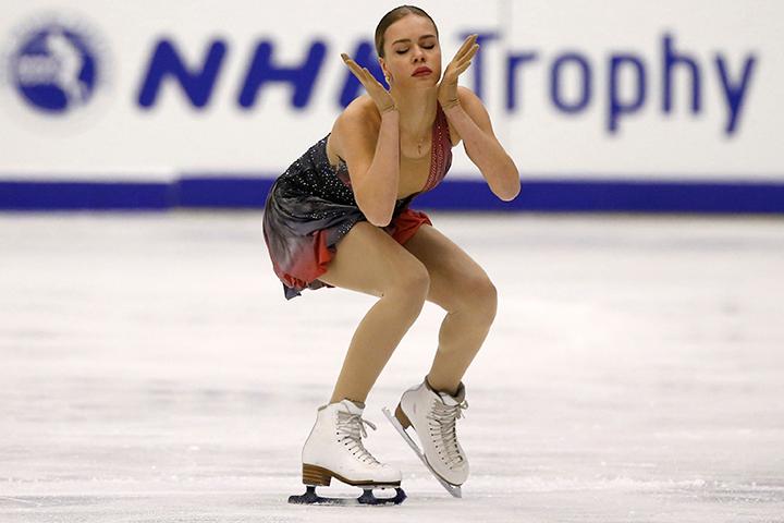 Россиянка Анна Погорилая победила в соревнованиях одиночниц на шестом этапе серии Гран-при по фигурному катанию в Саппоро
