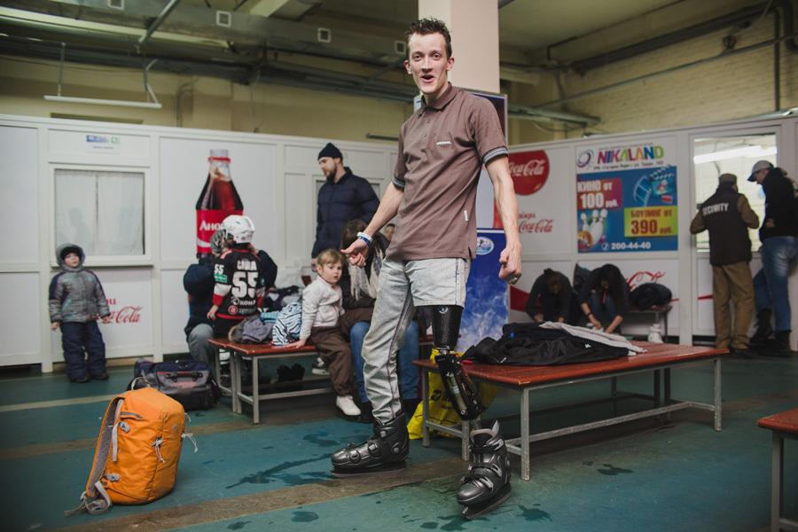 Федор Меркульев занимается альпинизмом и бегает стометровку. Новую «ногу» ему сделали на челябинском протезном заводе.