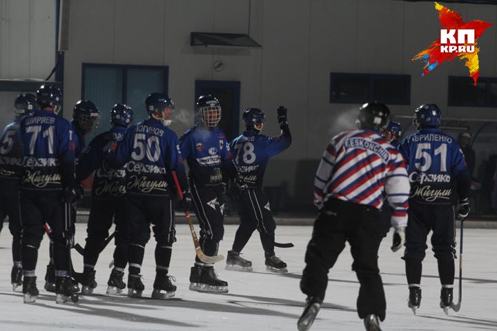 «Байкал-Энергия» обыграл «Сибсельмаш» вматче чемпионата Российской Федерации побенди