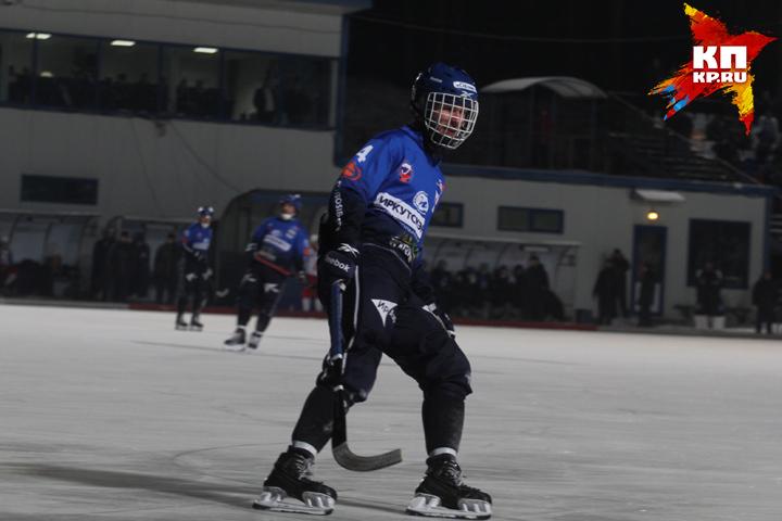 «Байкал-Энергия» разгромил «Сибсельмаш» вматче чемпионата РФ побенди