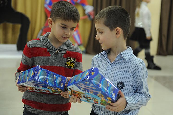 Гражданам ответят на вопросы о качестве и безопасности подарков
