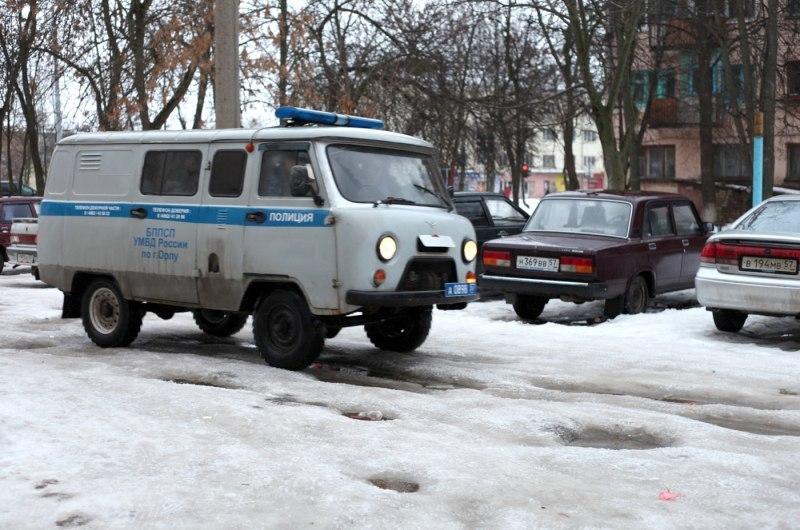 ВЖелезнодорожном районе Орла мужчина помог полицейским задержать подозреваемого вграбеже