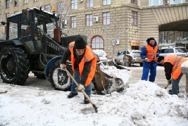 300 кубометров снега вывезено сволгоградских автомагистралей заночь