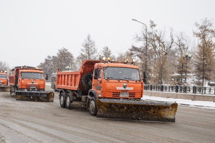 Ввыходные сулиц областного центра вывезли неменее 2-х тыс. тонн снега