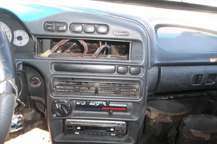 Гастролеры изКостромской области грабили автомобили вНикольске