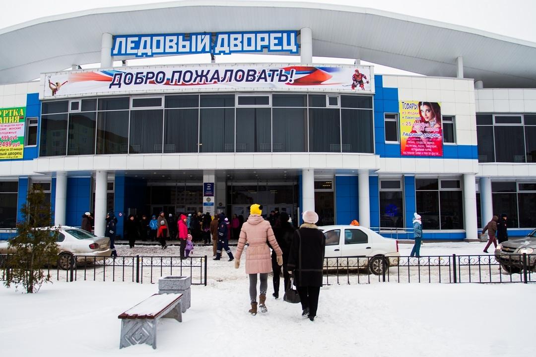 Здравствуй,..опа,Новый год: организаторы новогоднего шоу в Пскове сбежали с деньгами