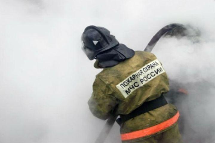 Поселок Нелькан вХабаровском крае остался без света из-за пожара на станции повыробатыванию электричества
