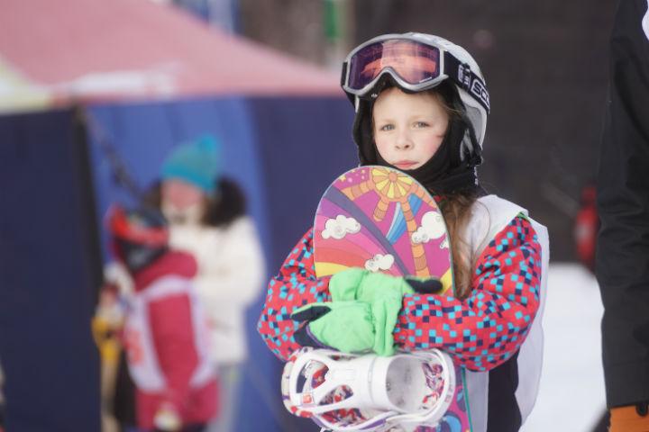 Зима в Иркутске: как научиться кататься на горных лыжах или сноуборде