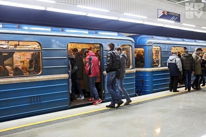Женщина погибла вминском метро, упав нарельсы