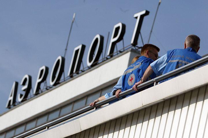 Балтфлот выделил 4 тягача для эвакуации самолета вКалининграде