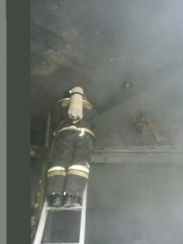 СТО на улице Олега Кошевого сгорела в Иркутске