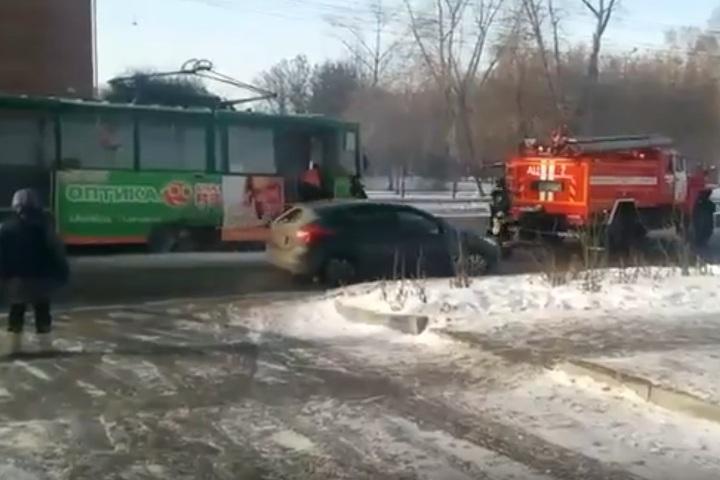 Трамвай горел в центре Иркутска