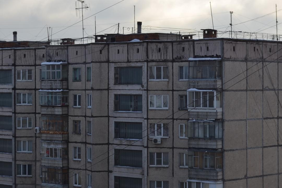 16-летняя липчанка выпала изокна многоэтажки