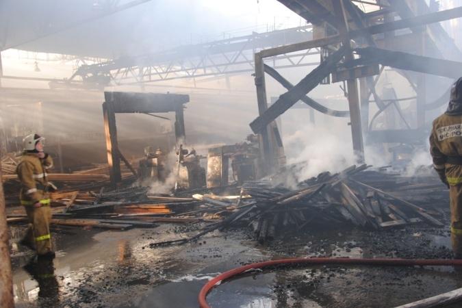 Пожар уничтожил часть мясокомбината вРостове
