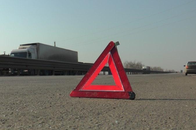 Лопнувшее колесо стало предпосылкой смертоносного ДТП наростовской трассе
