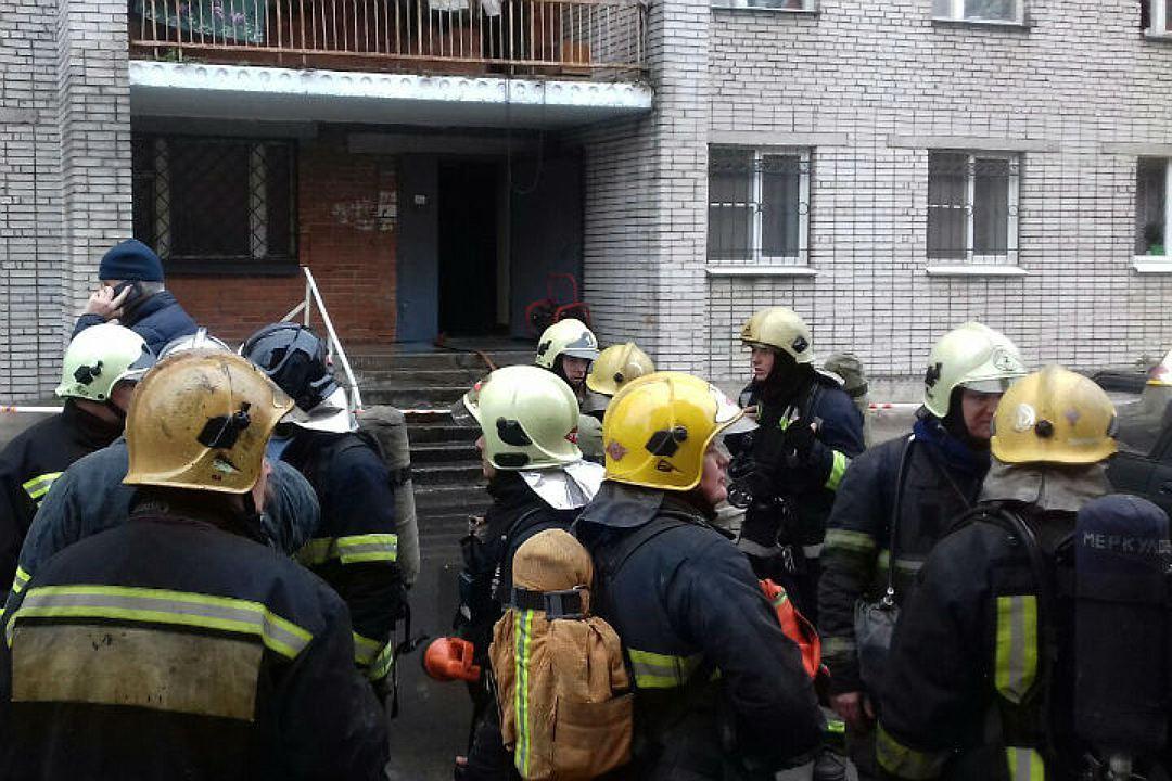 15 человек эвакуировали изгорящей детской больницы вКронштадте