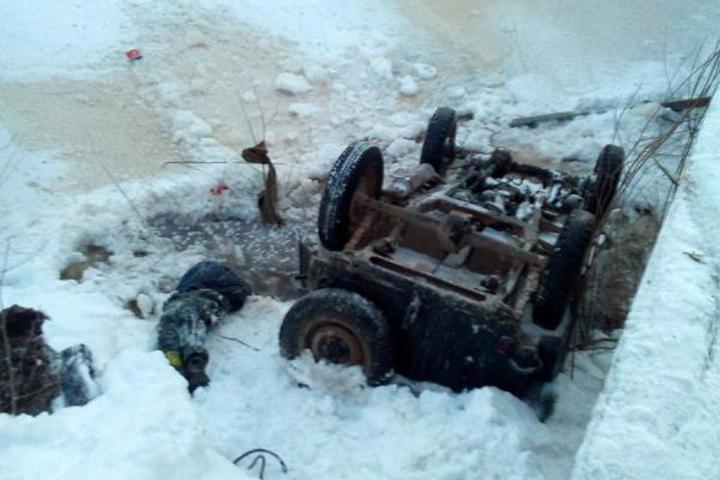Ребенок умер вупавшем смоста автомобиле вНижегородской области