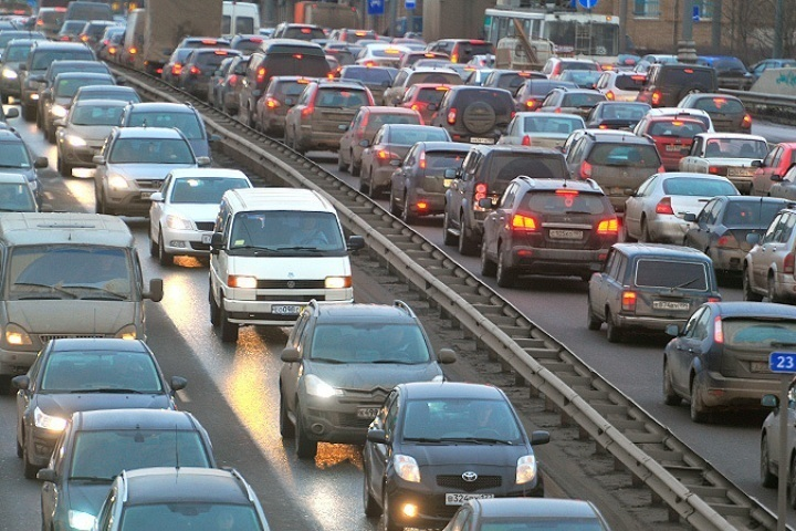 Самые длиннющие пробки прошедшей недели отмечены наБорском мосту