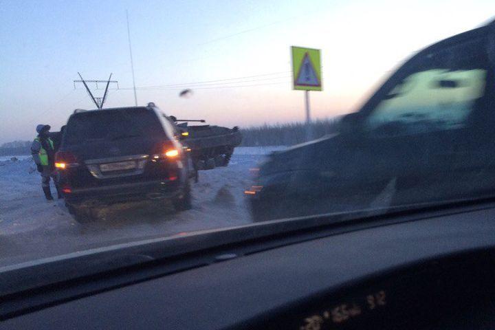 ВНовосибирской области шофёр джипа врезался вБМП
