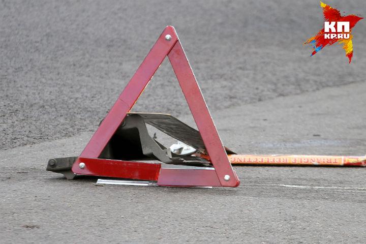 Вцентре Омска встолкновении 6-ти авто пострадал парень