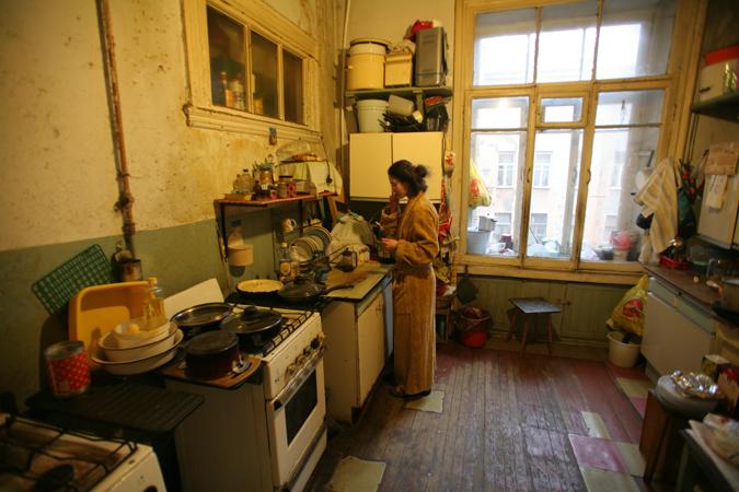 ВПетербурге за2016 изкоммуналок расселили 12 тыс. семей