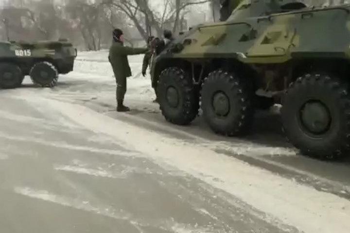 ВНовосибирске столкнулись два БТР