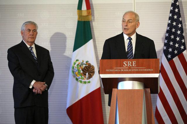 Министр нацбезопасности США пообещал непривлекать военных для депортации мигрантов