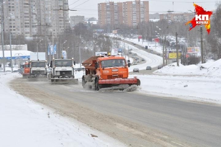 Мэр Ижевска поручил вывезти сулиц покрайней мере 100 тыс. тонн снега