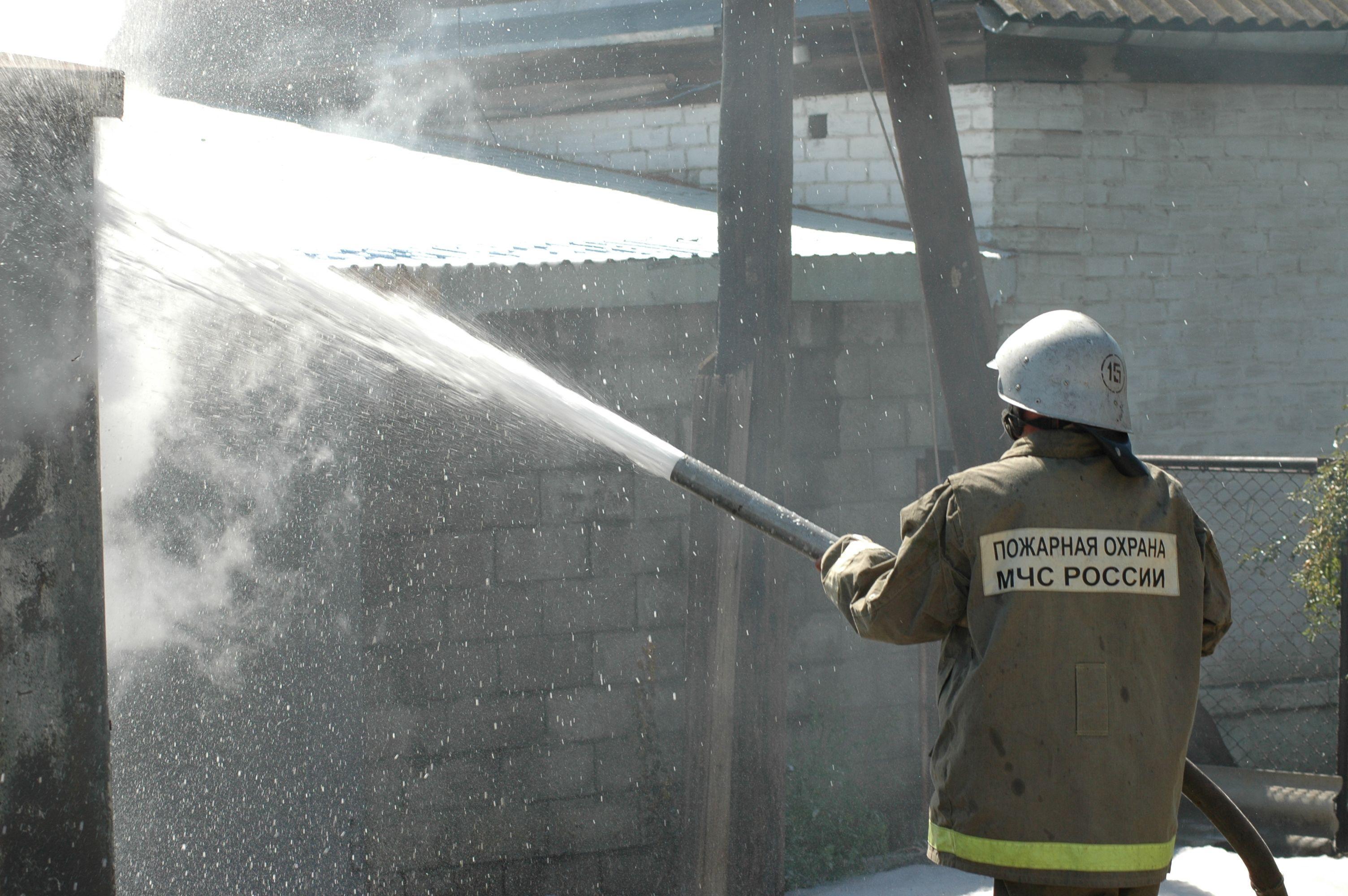 Неизвестные подожгли дом вВолгоградской области, при пожаре умер мужчина
