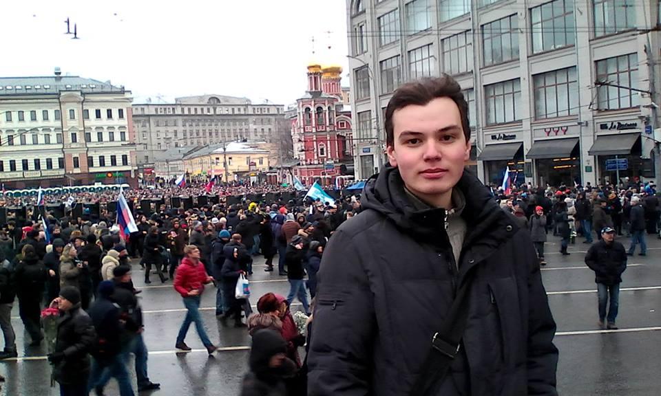 Влад на весенней акции в память о Борисе Немцове в Москве. Фото: Личная страничка героя публикации в соцсети