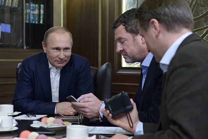 """Владимир Путин: """"О свободе, как правило, говорят правящие классы для того, чтобы мозги запудрить тем, кем они управляют."""" Фото: РИА Новости"""