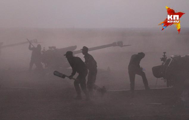Сирийские войска прижали боевиков к турецкой границе Фото: Александр КОЦ, Дмитрий СТЕШИН