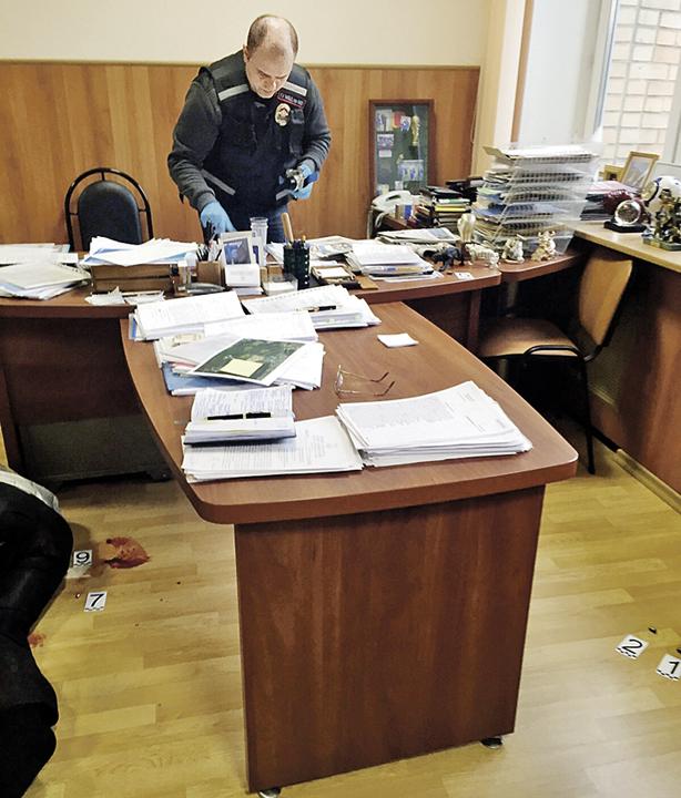 Кабинет, в котором бизнесмен устроил бойню. Фото: РИА Новости
