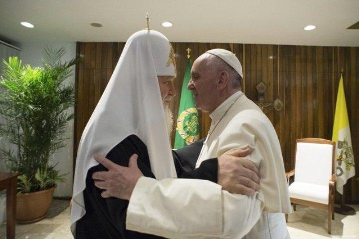 Главы Русской Православной и Римско-Католической Церквей встретились впервые за тысячу лет Фото: REUTERS