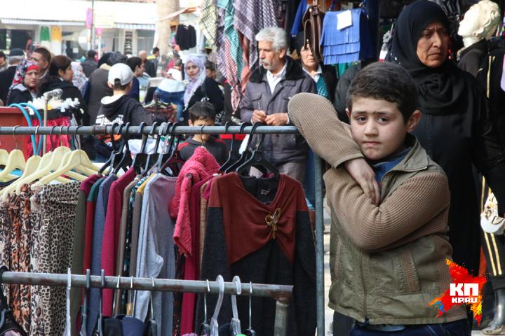 Сирия и ее жители давно ждут спокойствия и мира Фото: Александр КОЦ, Дмитрий СТЕШИН