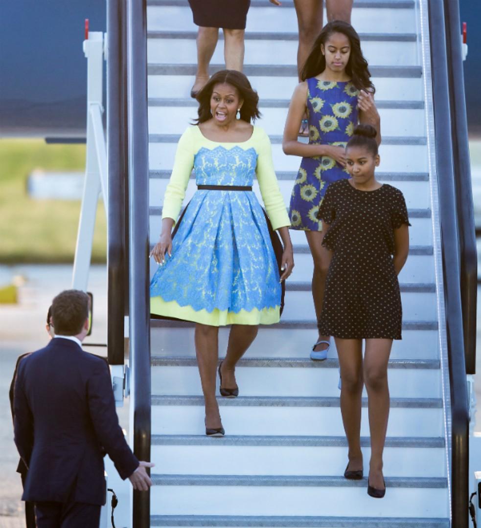 Супруга президента США любит яркие цвета и крупные цветочные принты. Фото: SPLASH NEWS