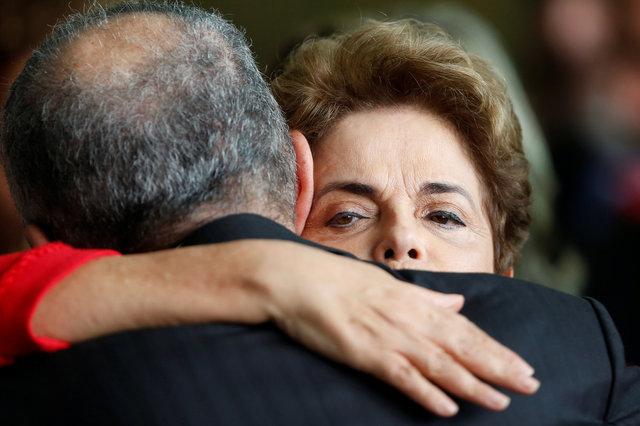 Бразилия забурлила: Русеф ответила наимпичмент словами Маяковского