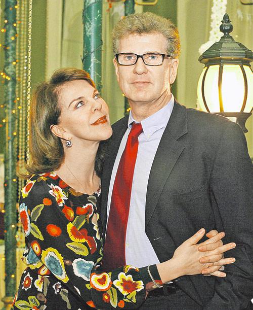 Вопреки слухам о разводе Игорь Костолевский и его Консуэло до сих пор вместе и счастливы.