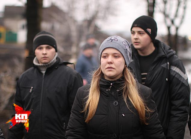Украинская сторона пропускать мирных жителей через свою линию фронта не захотела Фото: Александр КОЦ, Дмитрий СТЕШИН