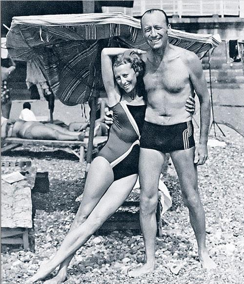 «Джеймс Бонд и его девушка»: Майя Плисецкая и Родион Щедрин на сухумском пляже в 1981 году.