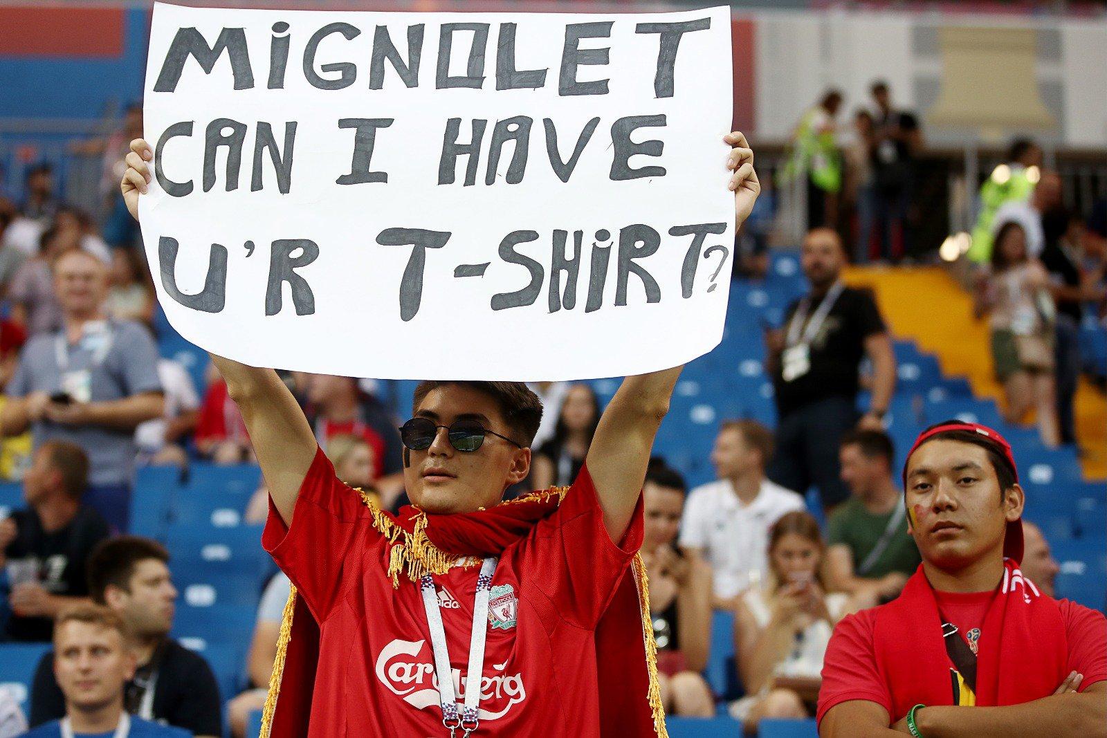 Миньоле отыскал болельщика, попросившего унего футболку
