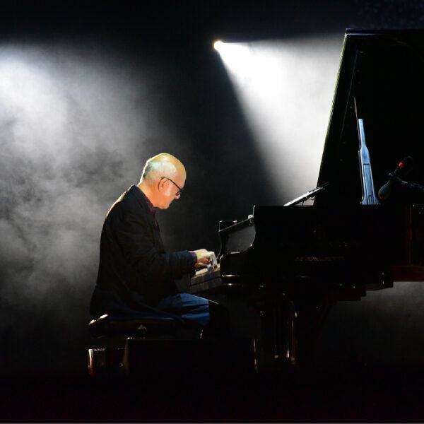 Концерт Людовико Эйнауди «Seven Days Walking»