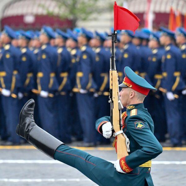 Парад военной техники и авиации 9 мая 2022
